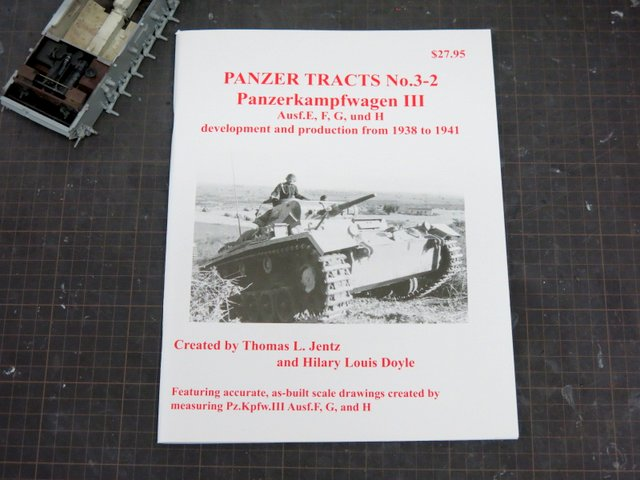 洋書『PANZER TRACTS No.3-2, Pz.kpfw III Ausf.E,F,G, and H』