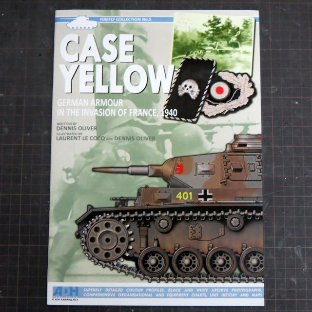 洋書『CASE YELLOW』FIREFLY COLLECTION No.5
