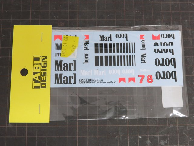 TABU DESIGNのマクラーレンMP4/2用タバコ(マルボロ)デカール
