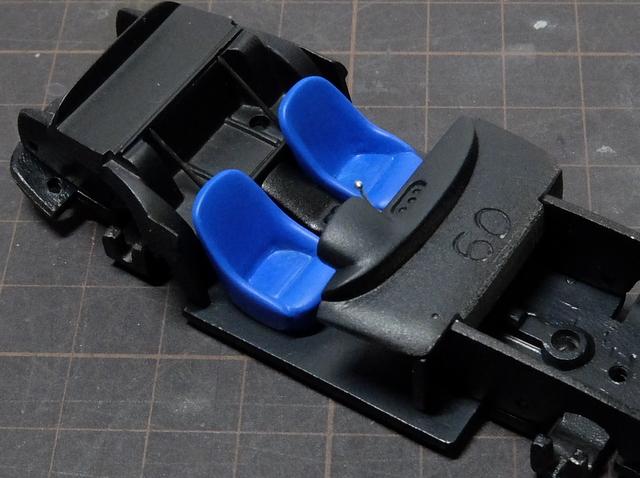 動画『シートを青く塗装』