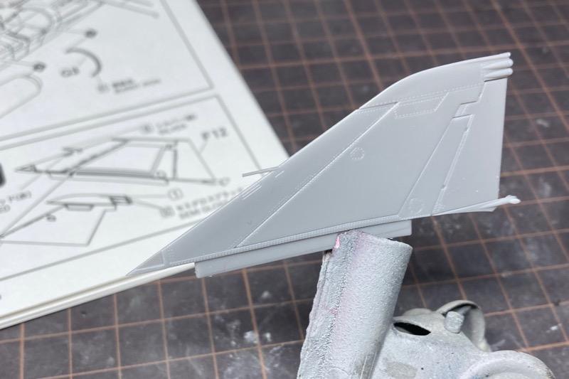 ファインモールドのF-4EJ改の製作記-2 尾翼の段差とピトー管