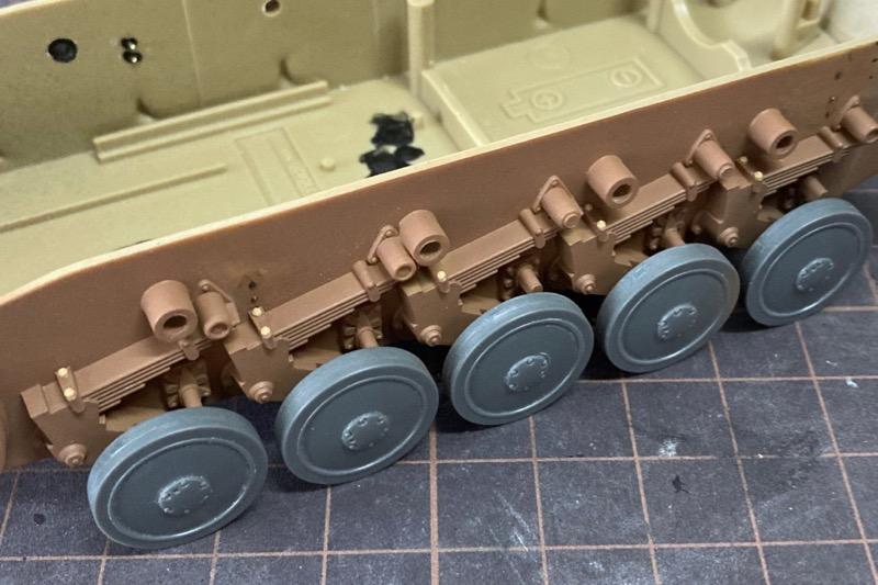 レトロなII号戦車F型 – 六角ボルトと尖頭ボルト