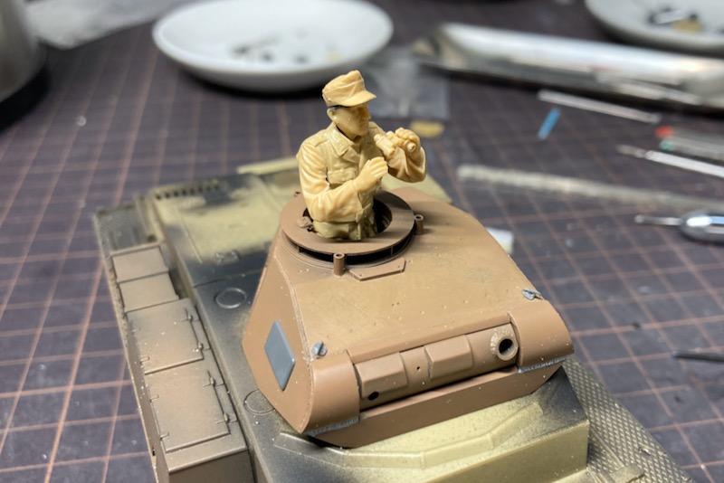 レトロなII号戦車製作記 – 吊り下げフックと人形