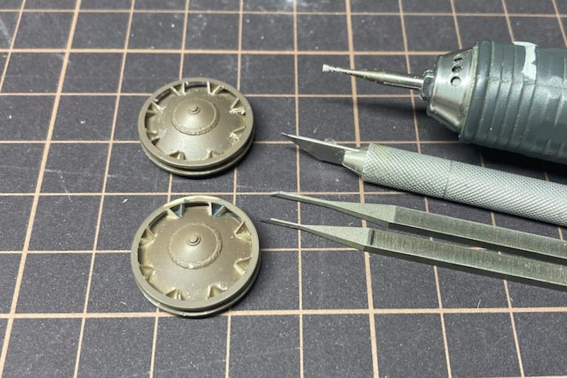 レトロなII号戦車製作記 – 詰め作業と履帯の塗装